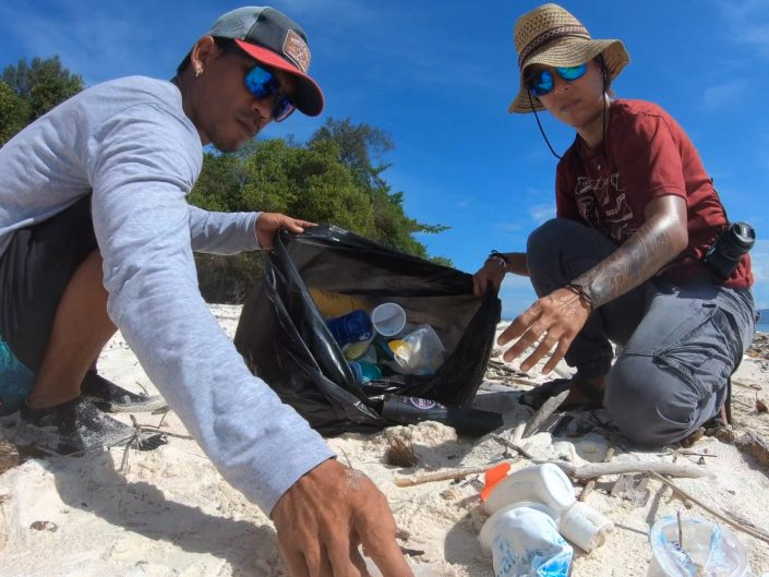 Marine life – clearing litter